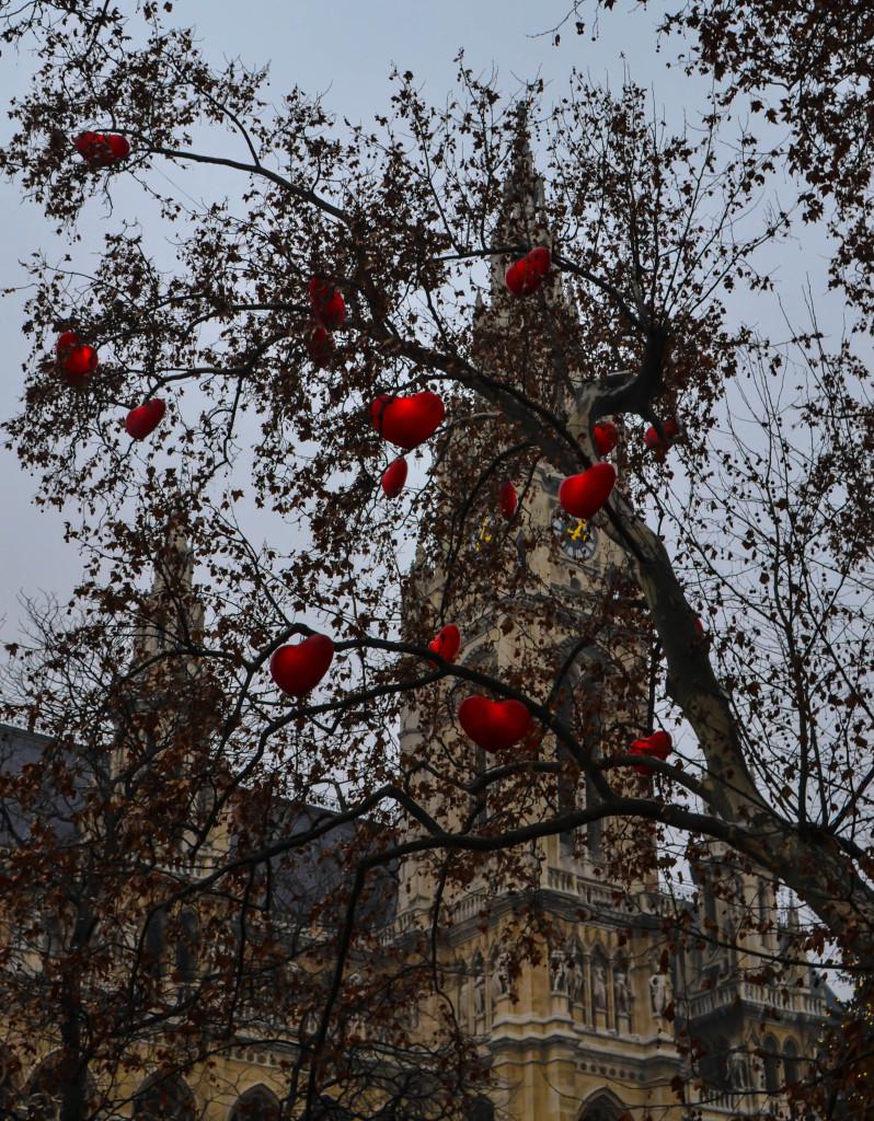 Rathaus Heart Tree xmas